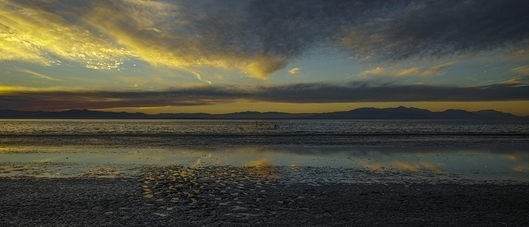footprints - saltonsea, shoreline - frankfosterphotography | ello