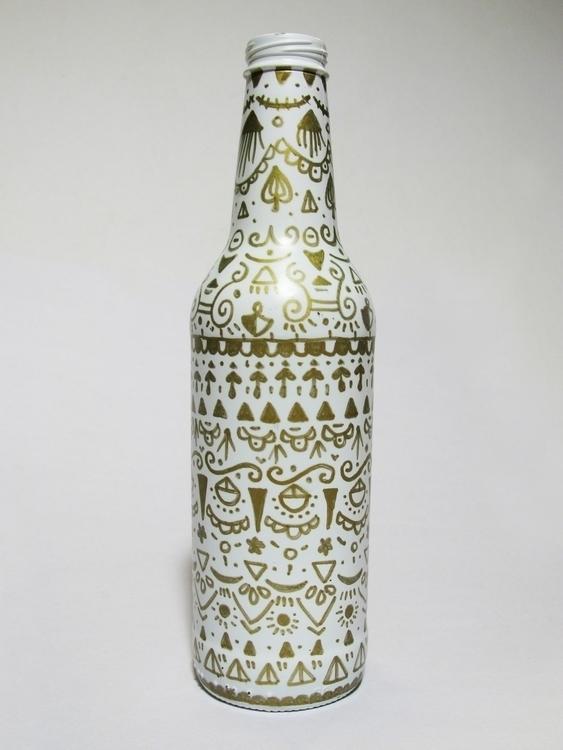 Bottle dècor - pattern, patterndesign - gingerrred | ello