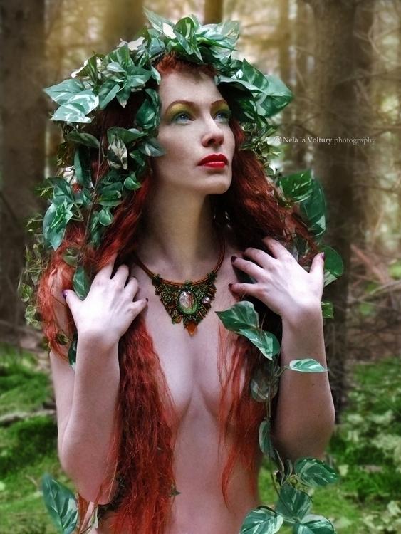 Model: Jana Dobrovolná Photo, e - nelagriminelli_art | ello