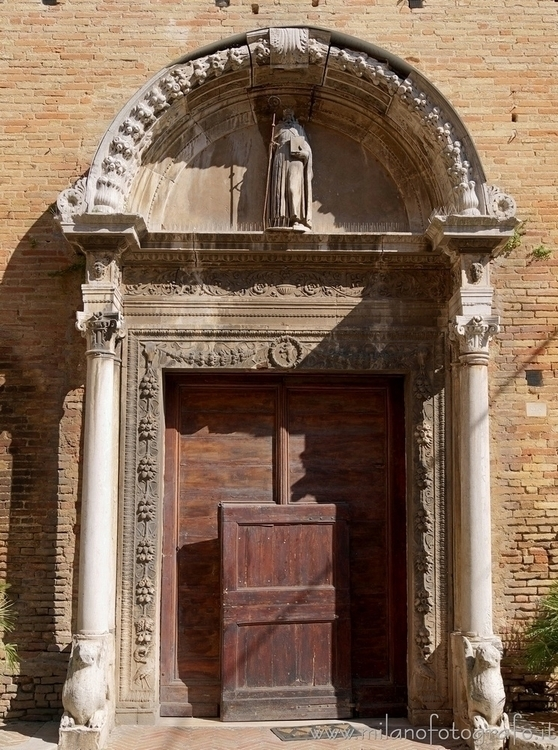 ( , ): Door Church Sant'Agostin - milanofotografo | ello