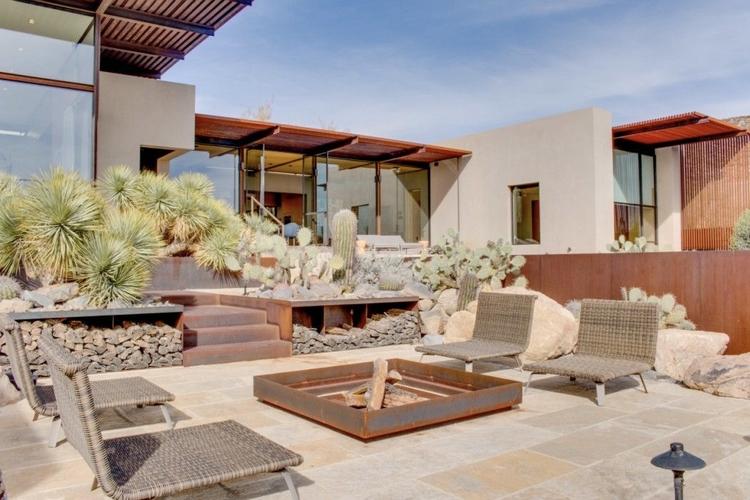 Award-winning desert home Lake  - red_wolf | ello