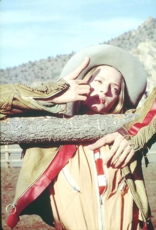 Happy Happy, Uma Thurman - EvenCowgirlsGetTheBlues - veronicamarie   ello
