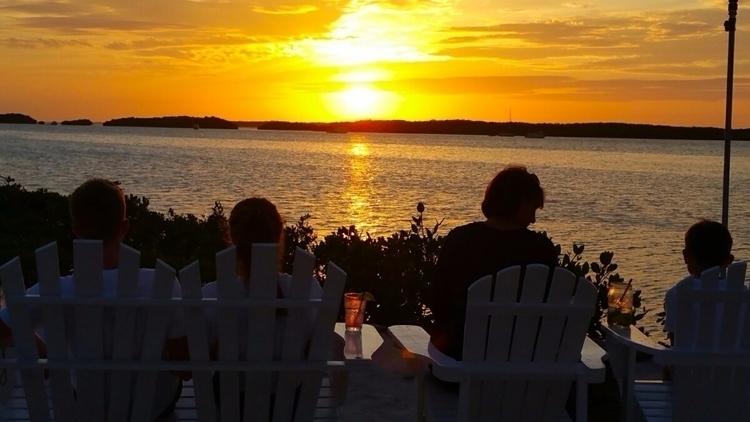 Isla Morada sunset - markus_5 | ello