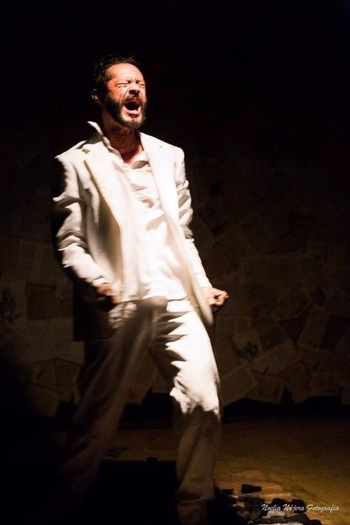 Teatro: Cia Tijolo Peça: Ledore - noelianajera | ello
