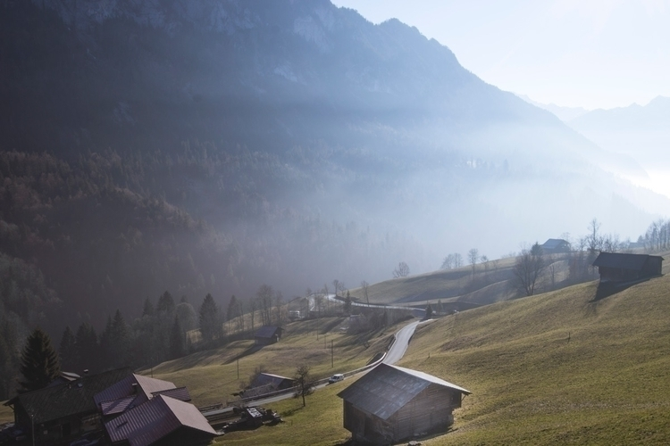 shows normal day Switzerland  - jeyhag | ello