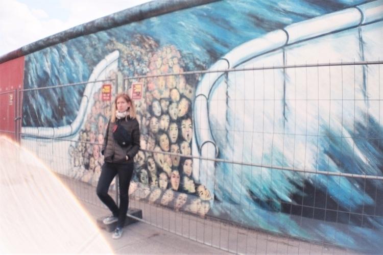 walls fall la sardina lomograph - alinele13 | ello
