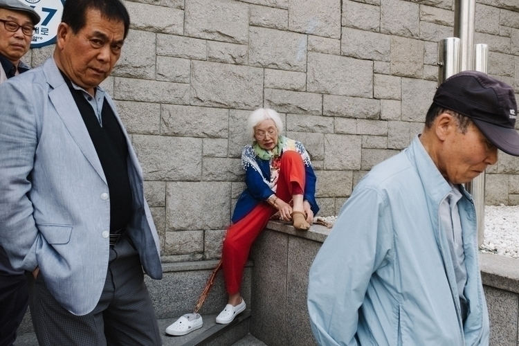 Seoul, South Korea - streetphotography - guitarlogy   ello