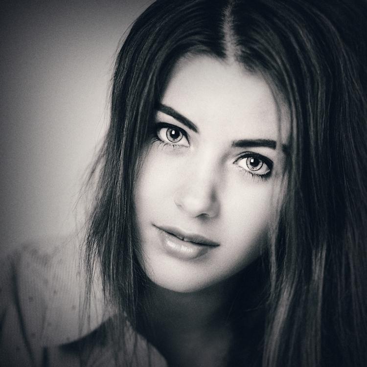 Louder words - portraitpage, girl - jozefpriczel | ello