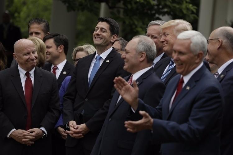 Image Source: AP Photo/Evan Vuc - ellofinance | ello