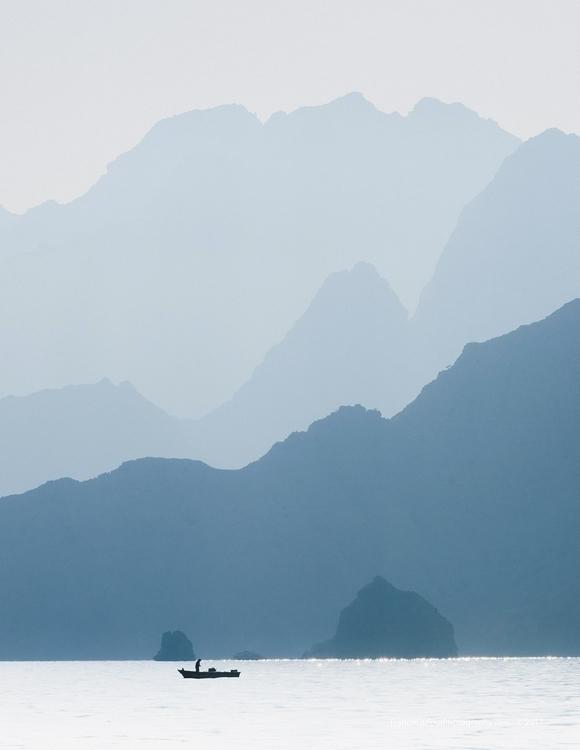 lonely fisherman Oman Rocky coa - francisdufour | ello