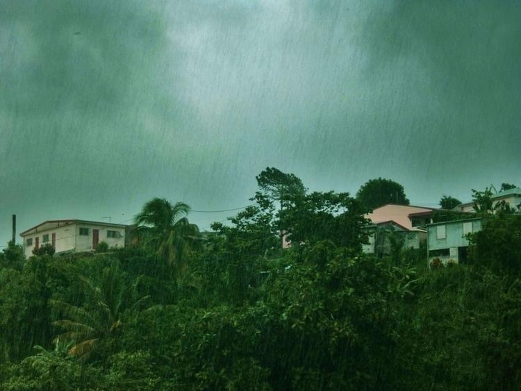 Cédric Joveniaux - photography, rain - particulescreatives | ello