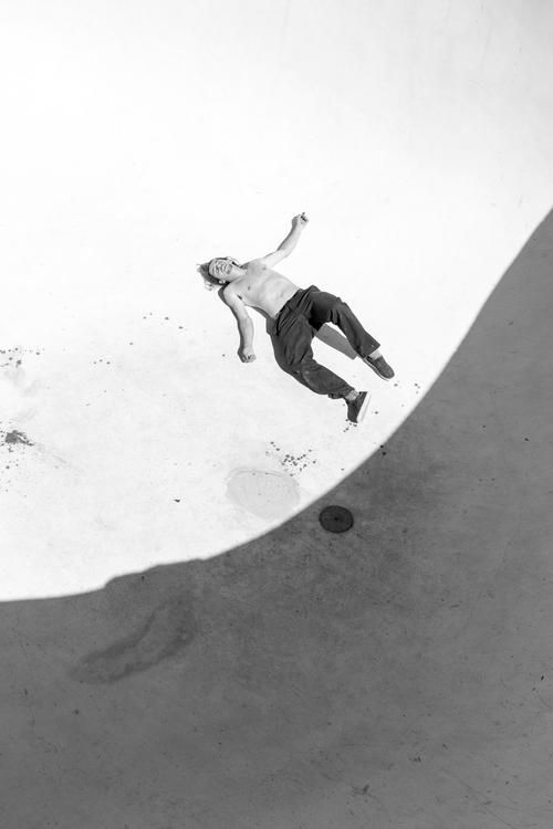 Jared Gholston break Pool, ABQ - philmckenzie | ello