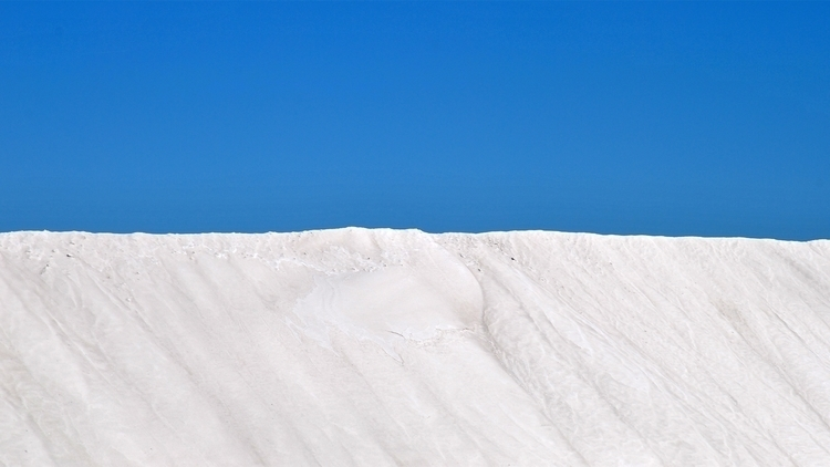 Salt mountain / Aigues Mortes C - davidlavaysse | ello