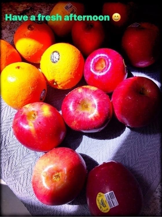 wuu, flareeffects, fruit, apples - iquitoz | ello