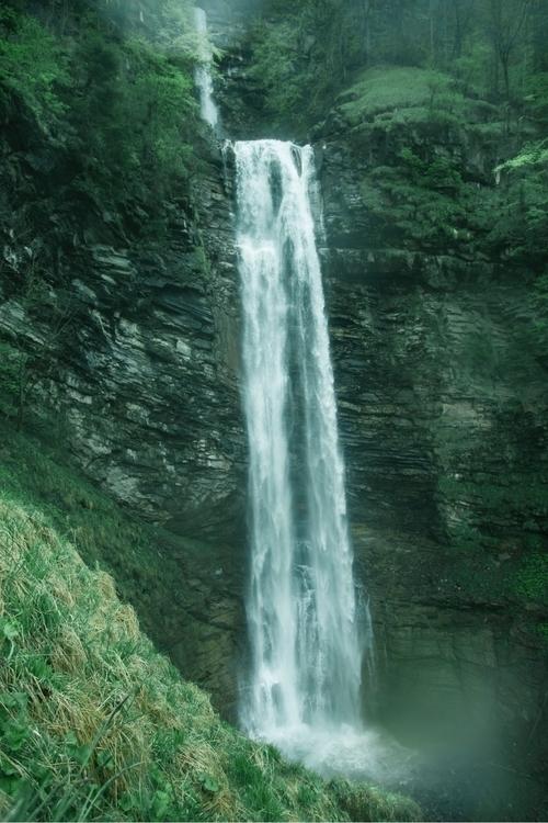 tou imagine high waterfall - jeyhag   ello
