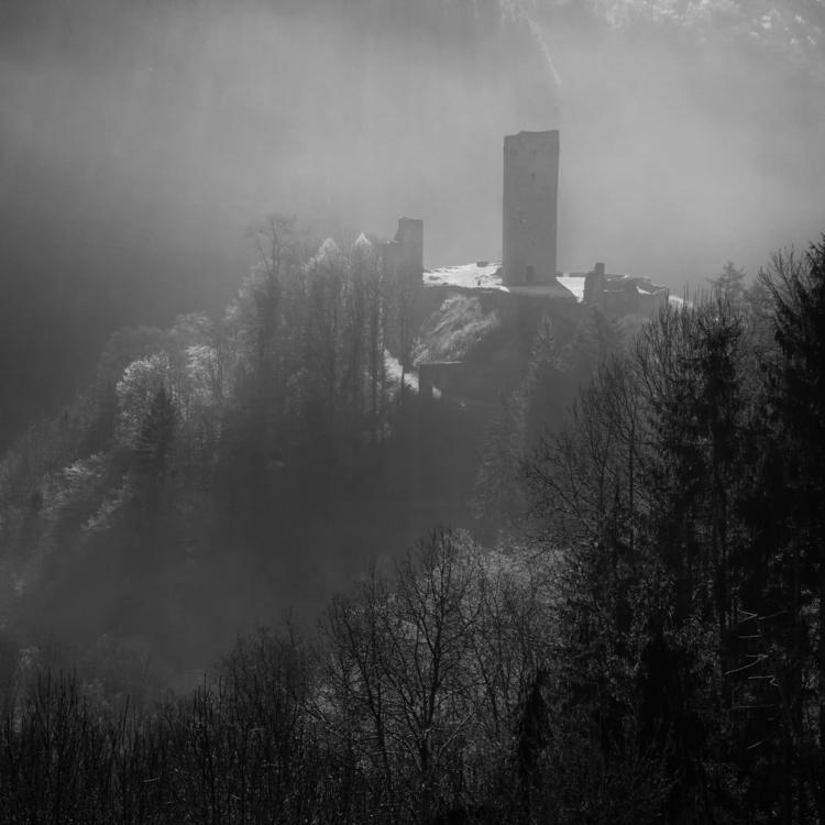 Manderscheid Castle (Eifel area - erik0111 | ello