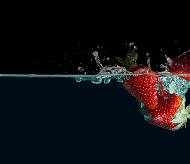 tamron - strawberry, fraise, water - baptistedeizarra | ello