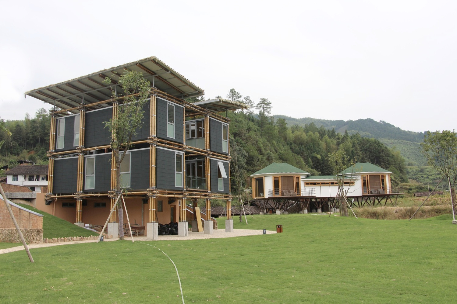 Energy Efficient Bamboo House  - red_wolf | ello