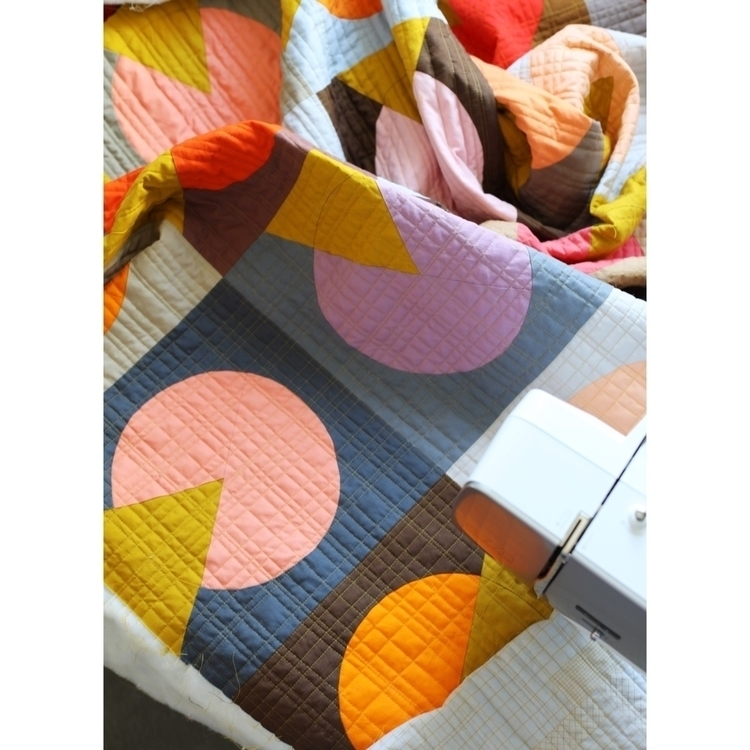 Retro colors call retro quiltin - entropyalwayswins | ello