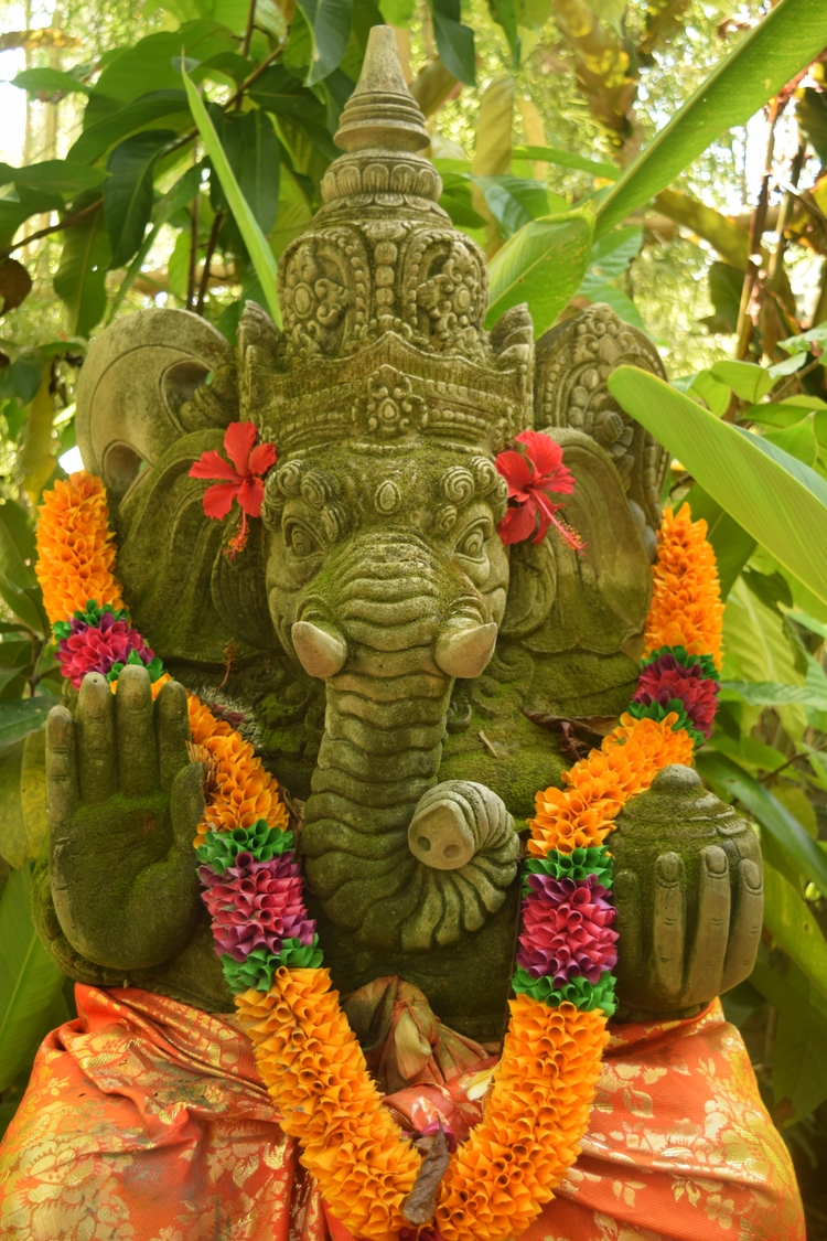 Ganesha, temple, Bali - hippy66   ello