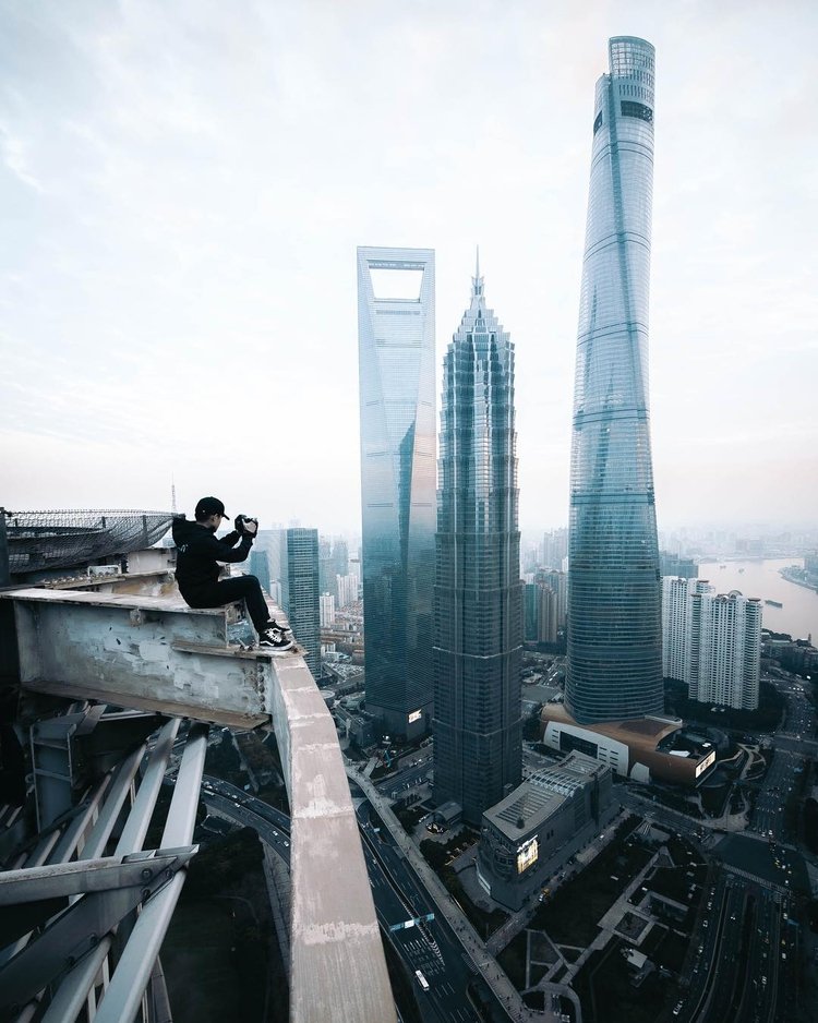 Breathtaking Shots Skyscrapers  - photogrist | ello