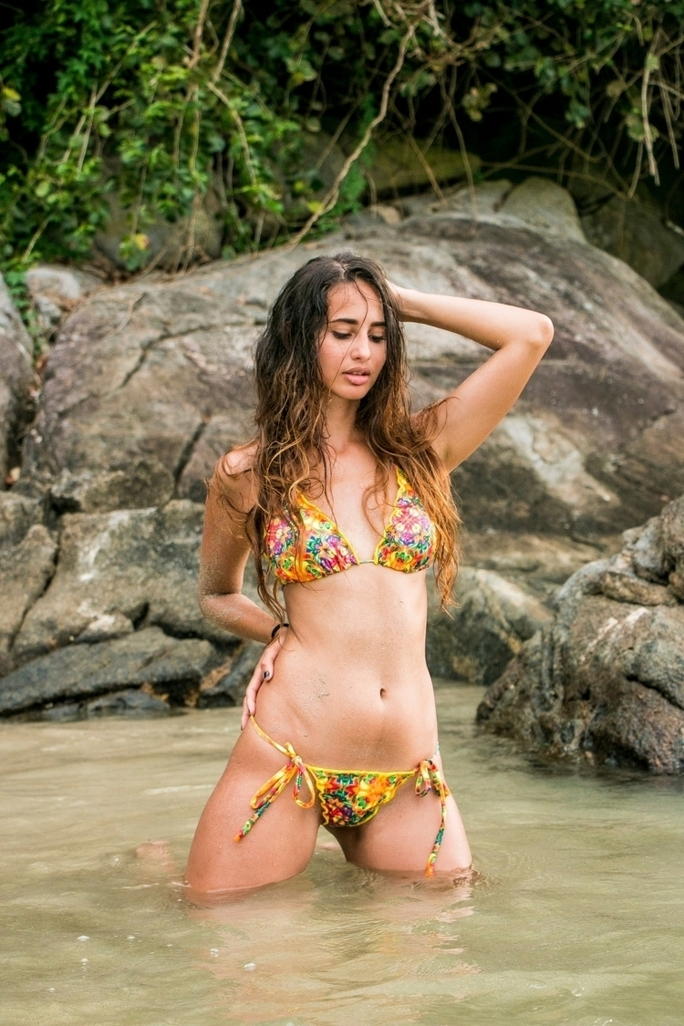 Model: Thallita Kume Ph: Nicole - nipasserani | ello
