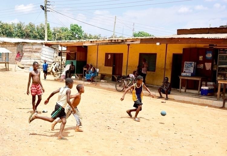 People Accra - documentaryphotography - arnevanoosterom | ello