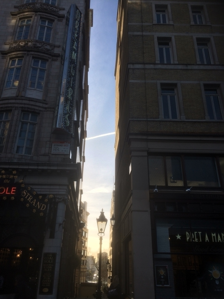 spring morning - London - logikblok | ello