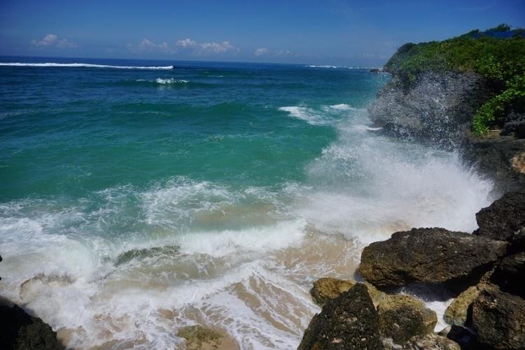 Beach - wherda | ello