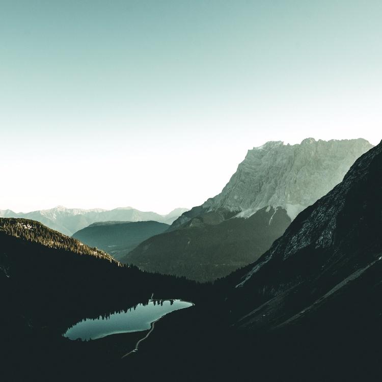 peaceful sunrise. sunrise Zugsp - lavisuals | ello