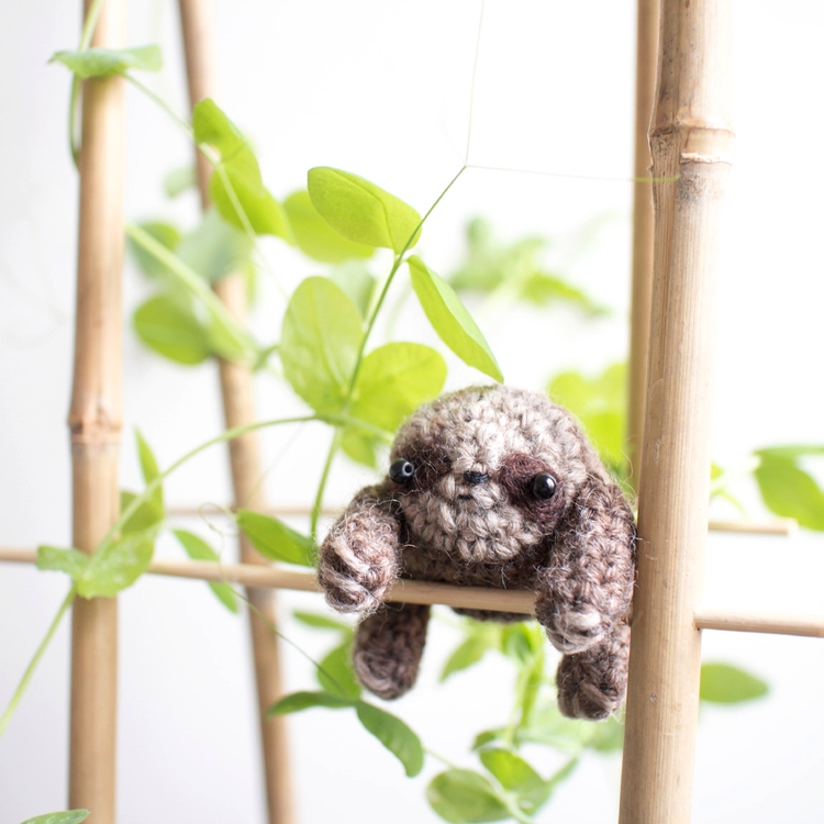 Sloth favourite spot pea plants - mohu | ello