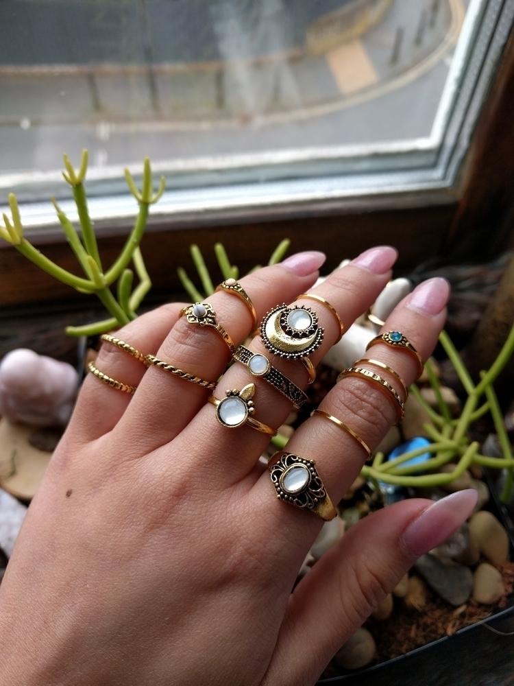 ring sets store £7 Tap link bio - moonlitcreatures   ello