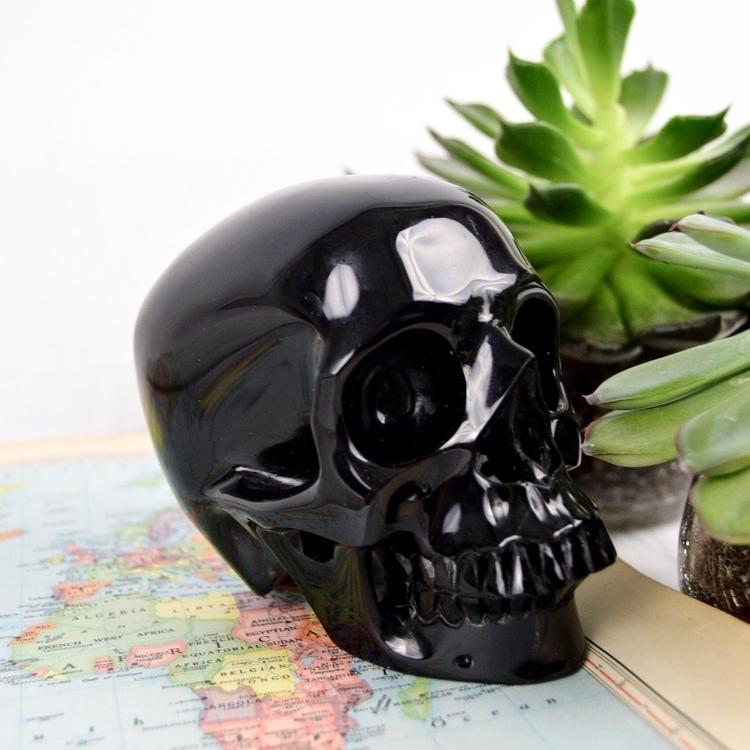 :skull:CRYSTAL SKULLS:skull: fa - earthboundcrystals | ello