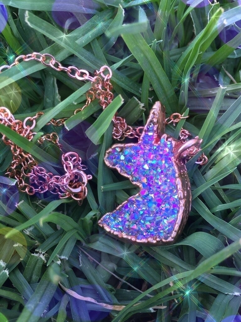 hand rainbow aura unicorn neckl - prismsouls | ello