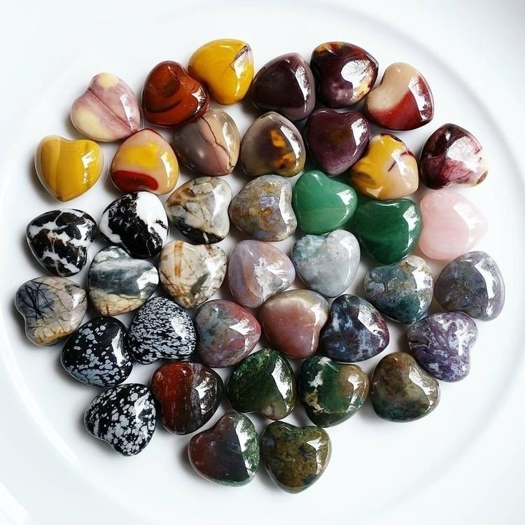 Pretty crystals - bodybeewell, metaphysical - bodybeewell   ello