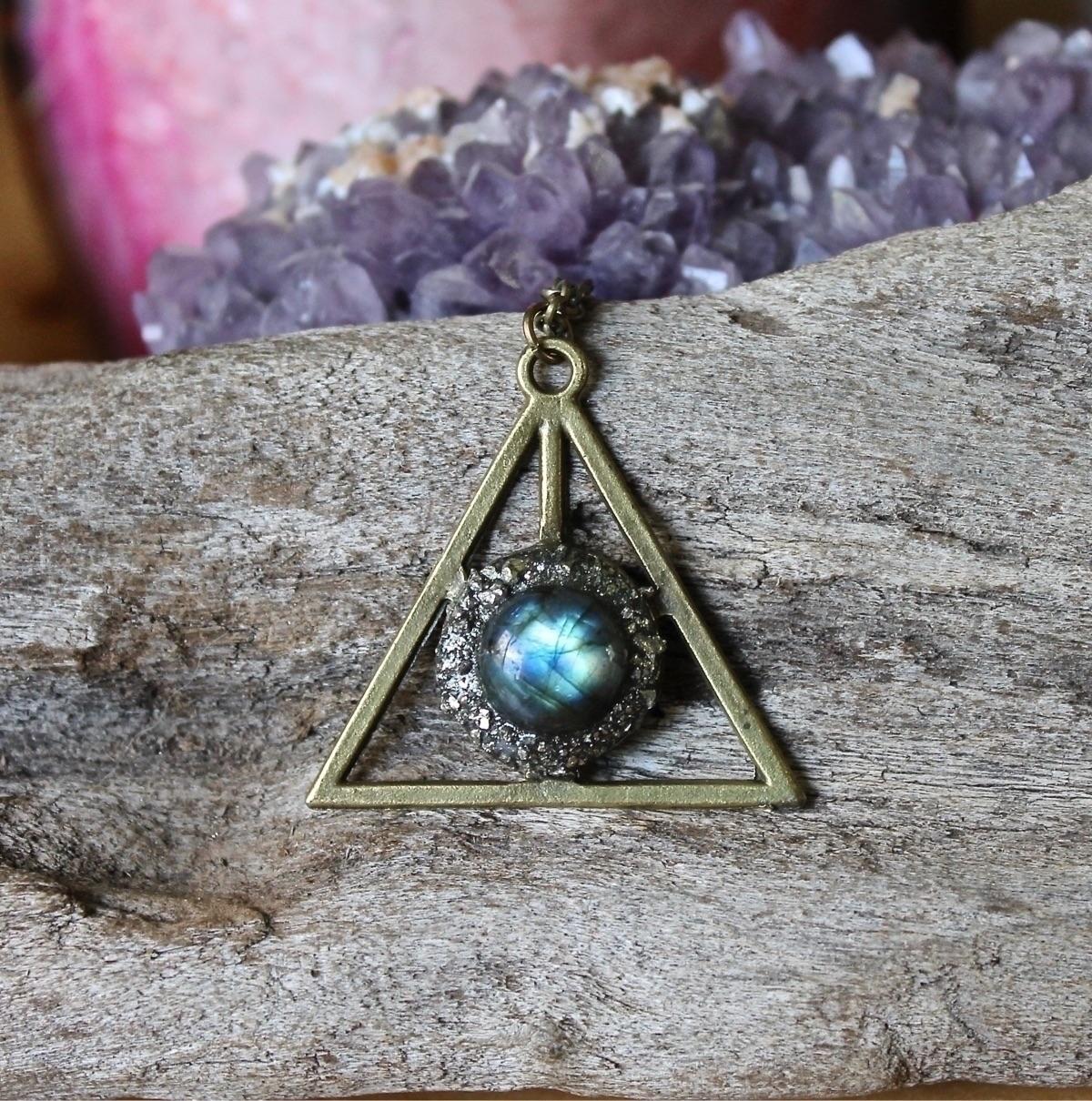 Stunning Labradorite Necklace - jewelry - adamfjgreen | ello