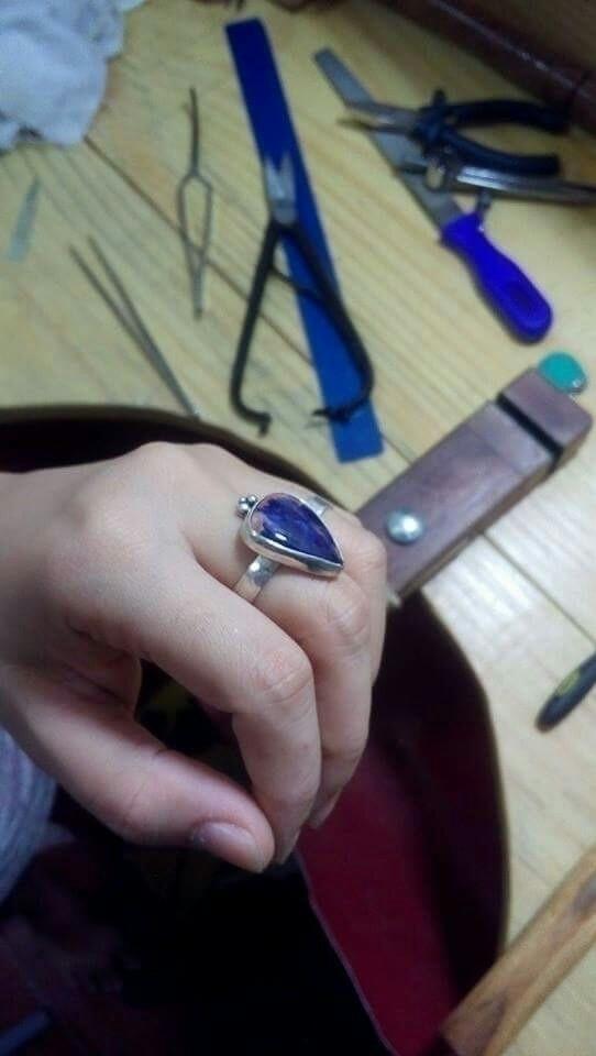 Ha! wifes hand (@babistrange).  - danimayhem | ello