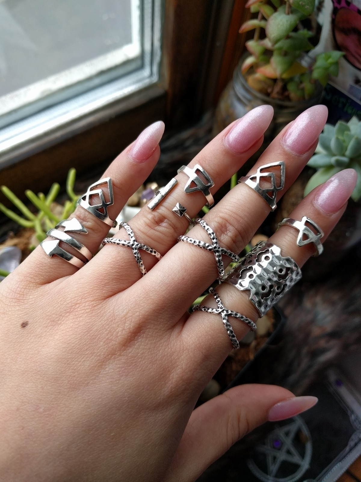 Babes rings dayyyysss! BRIELLE  - moonlitcreatures | ello
