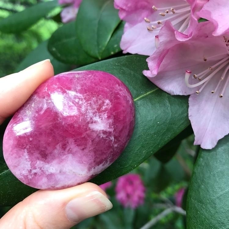 Ello.... spin - pinkcobaltocalcite - azurz | ello