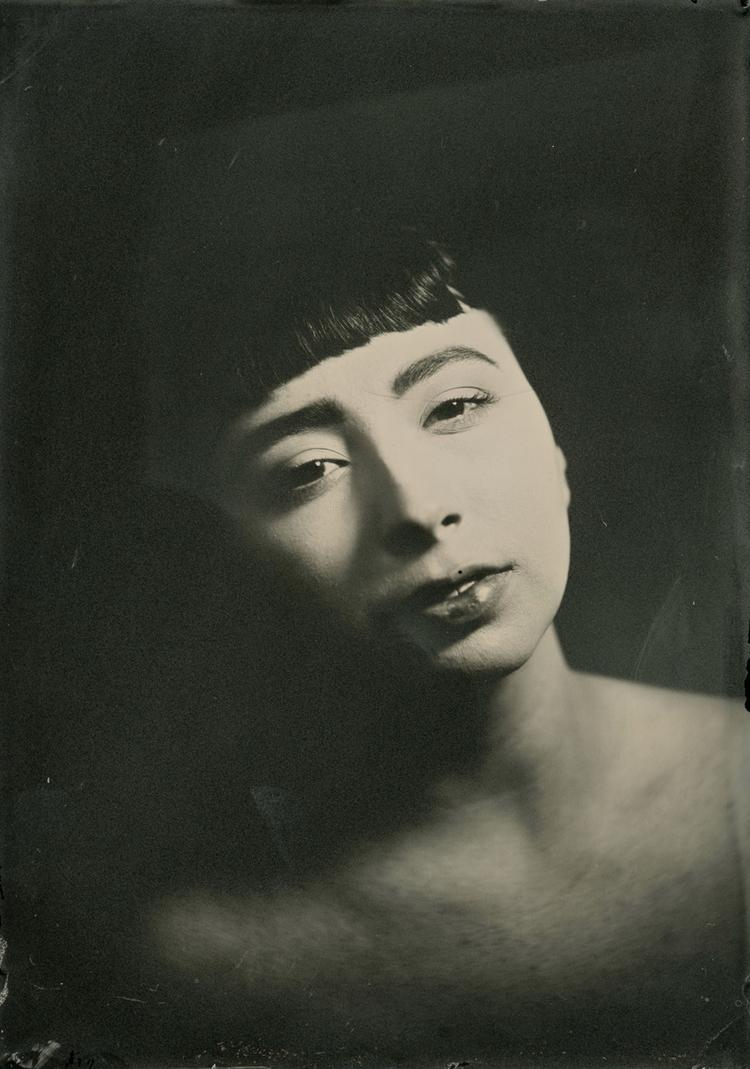 Photographer:Jerry Pozniak Mod - darkbeautymag | ello