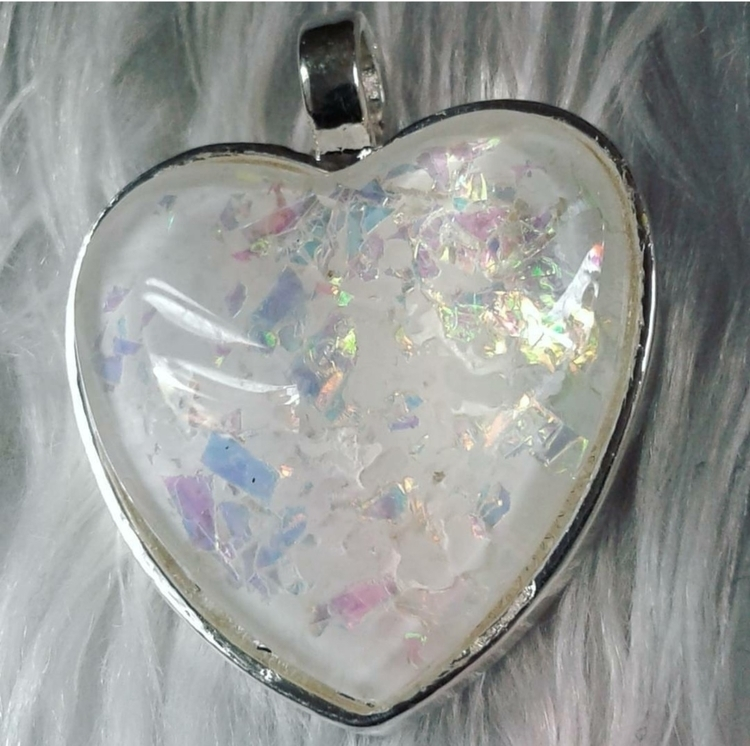 Aura Heart (light) loved turned - labrujabella | ello