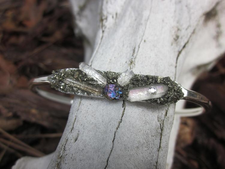 Peacock ore quartz tiny Swarovs - stonegypsy | ello
