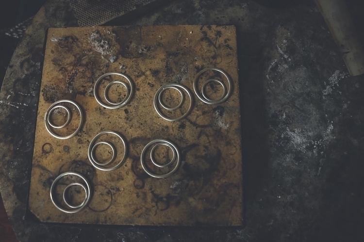 Simple circles jam - luna, silversmith - silverseedling | ello