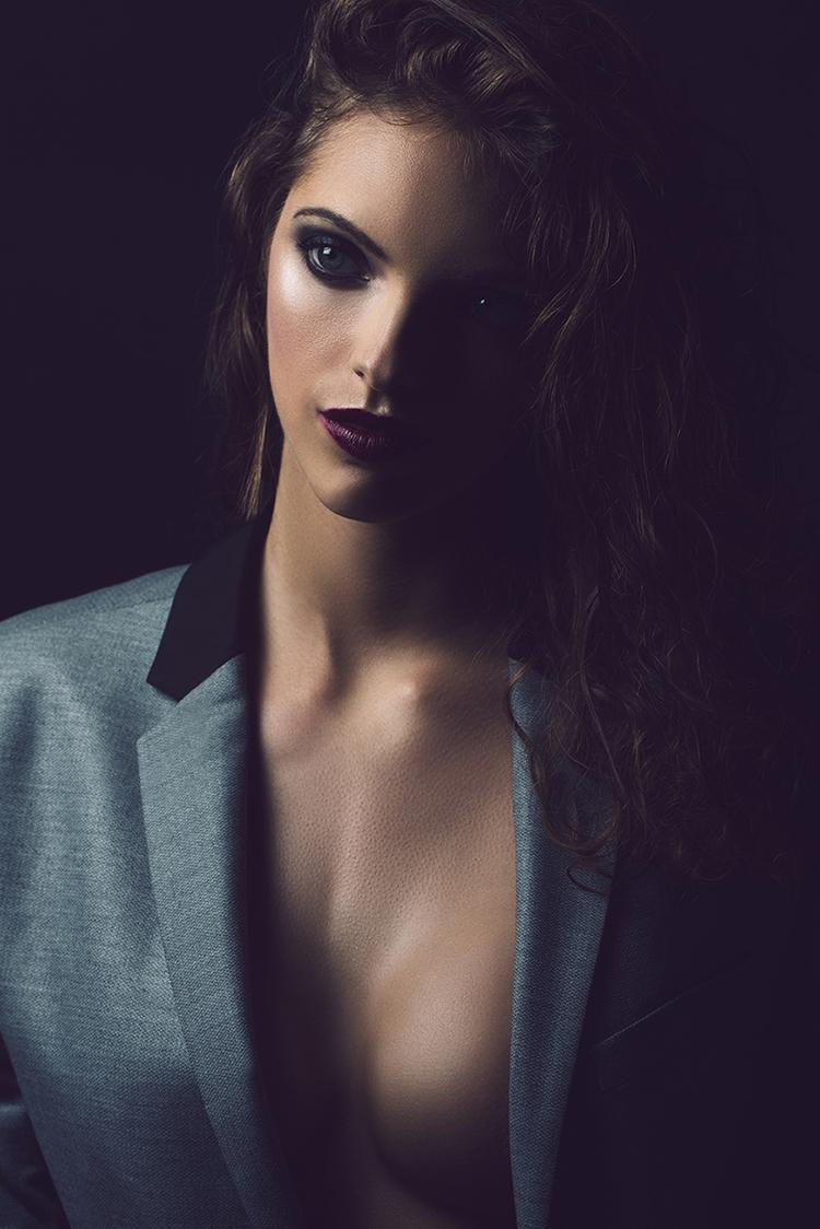 Photographer:Boris Rozbroj Mak - darkbeautymag | ello