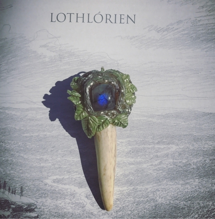idly leaves Lorien fall beauty  - earthandantler | ello