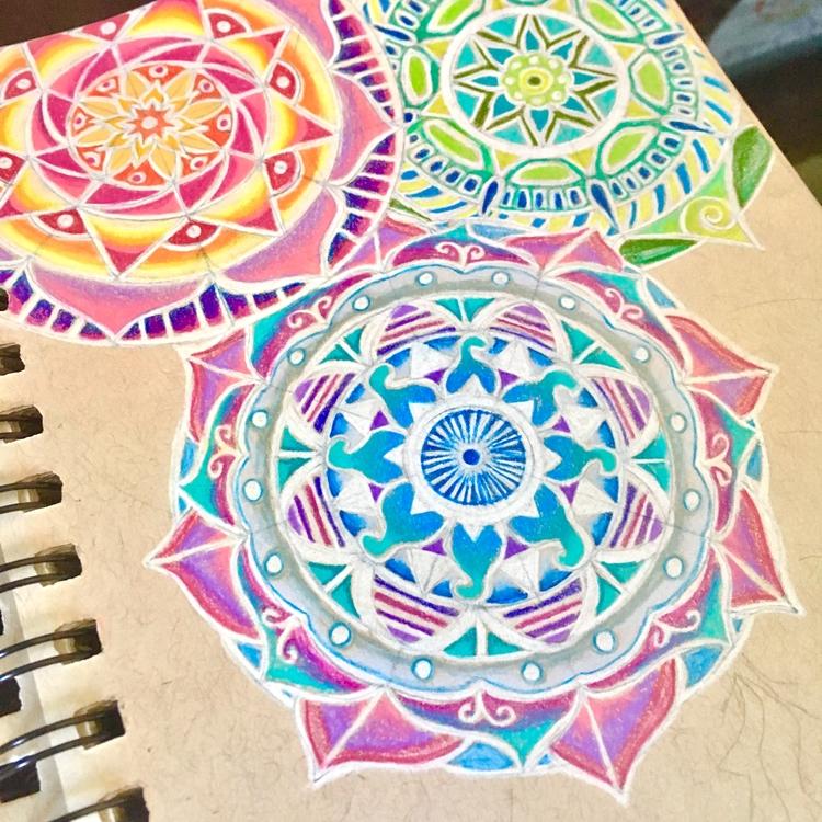Mandala magic prismacolor penci - she_draws_for_love | ello