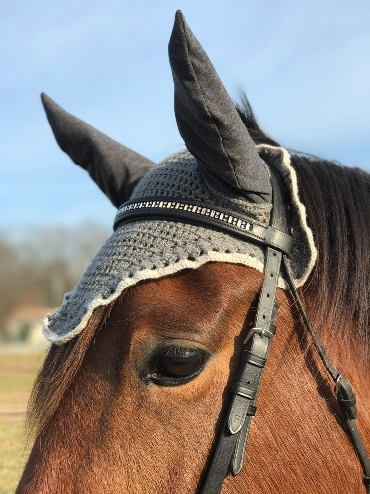 Lily wearing custom fly bonnet - laurennicoleyarnbarn | ello