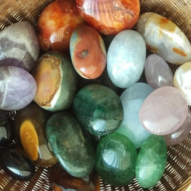 palmstones, crystals, fluorite - tiareina   ello