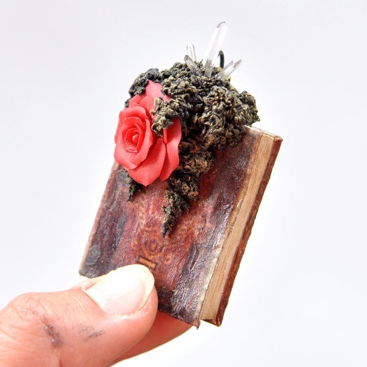 Book Series Pendant ready sale  - umaydesign | ello