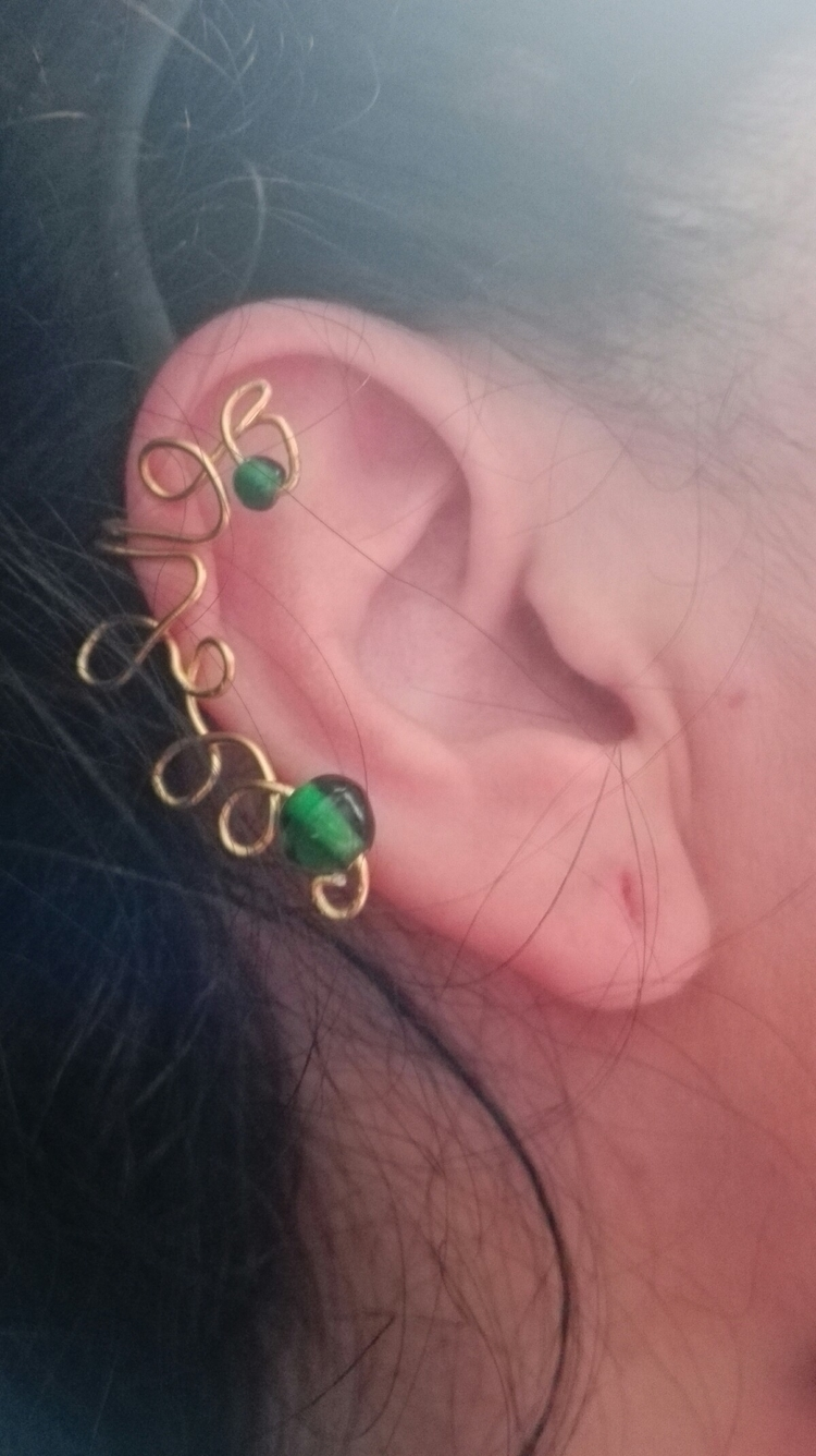 Wire earring green beads  - owl_lady_creations | ello